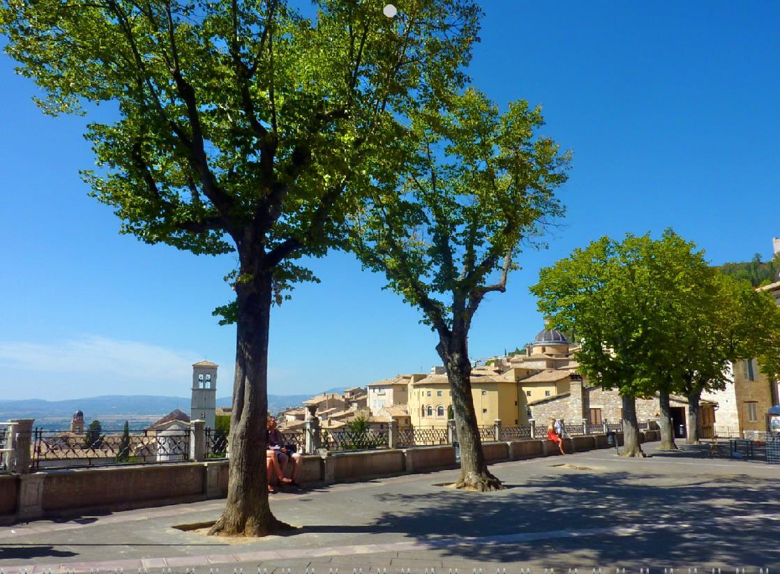 Piazza_Santa_Chiara